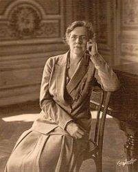 220px-Nadia_Boulanger_1925