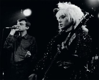 brix-smith-onstage