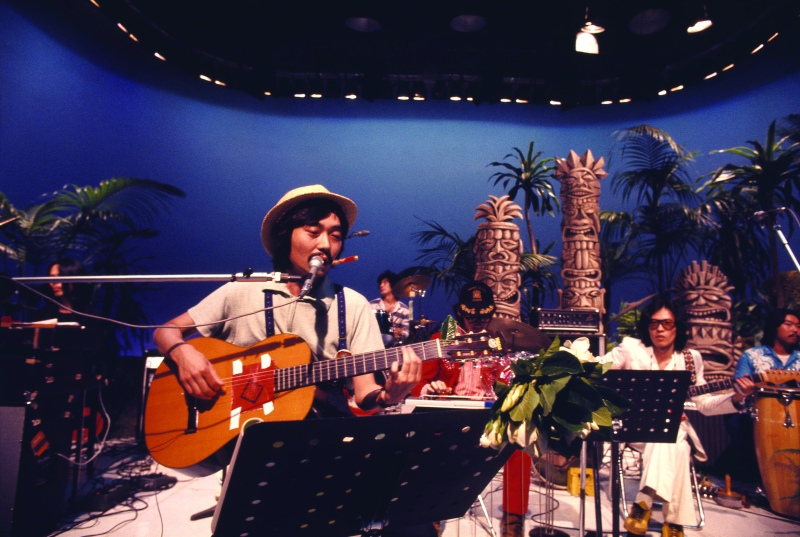 hosono-1975-07-tv-courtesy_of_the_masashi_kuwamoto_archives